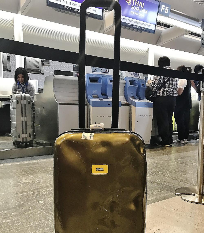 飛行機 荷物の預け方