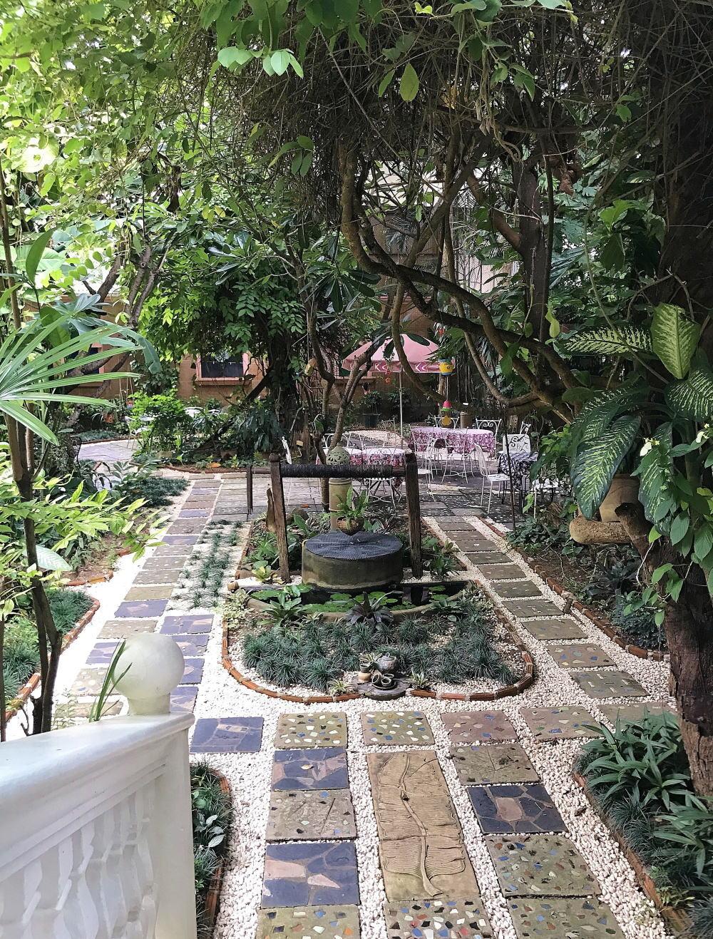 サイアムセラドン ティーハウス 庭