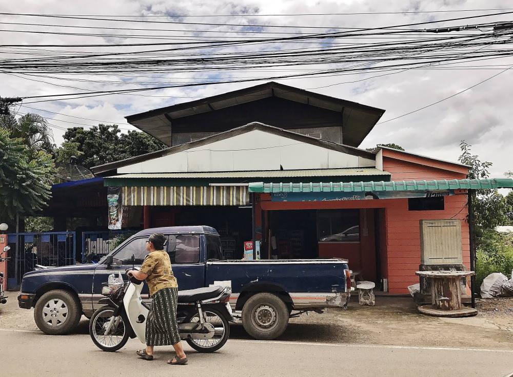 タイ チェンマイの雑貨店