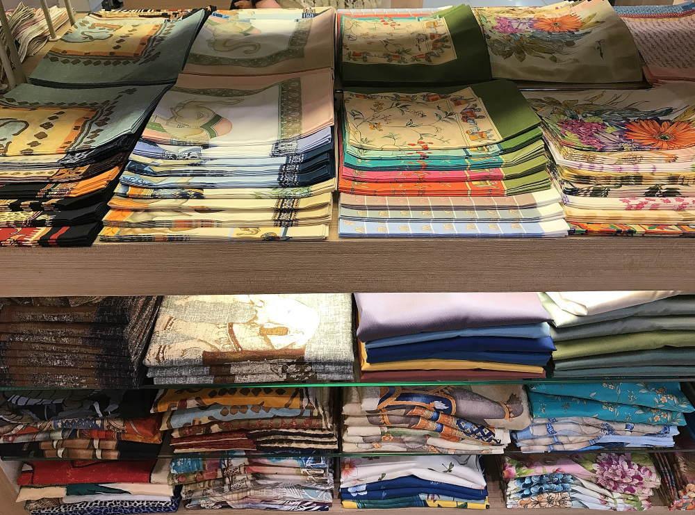バンコク空港 スカーフ