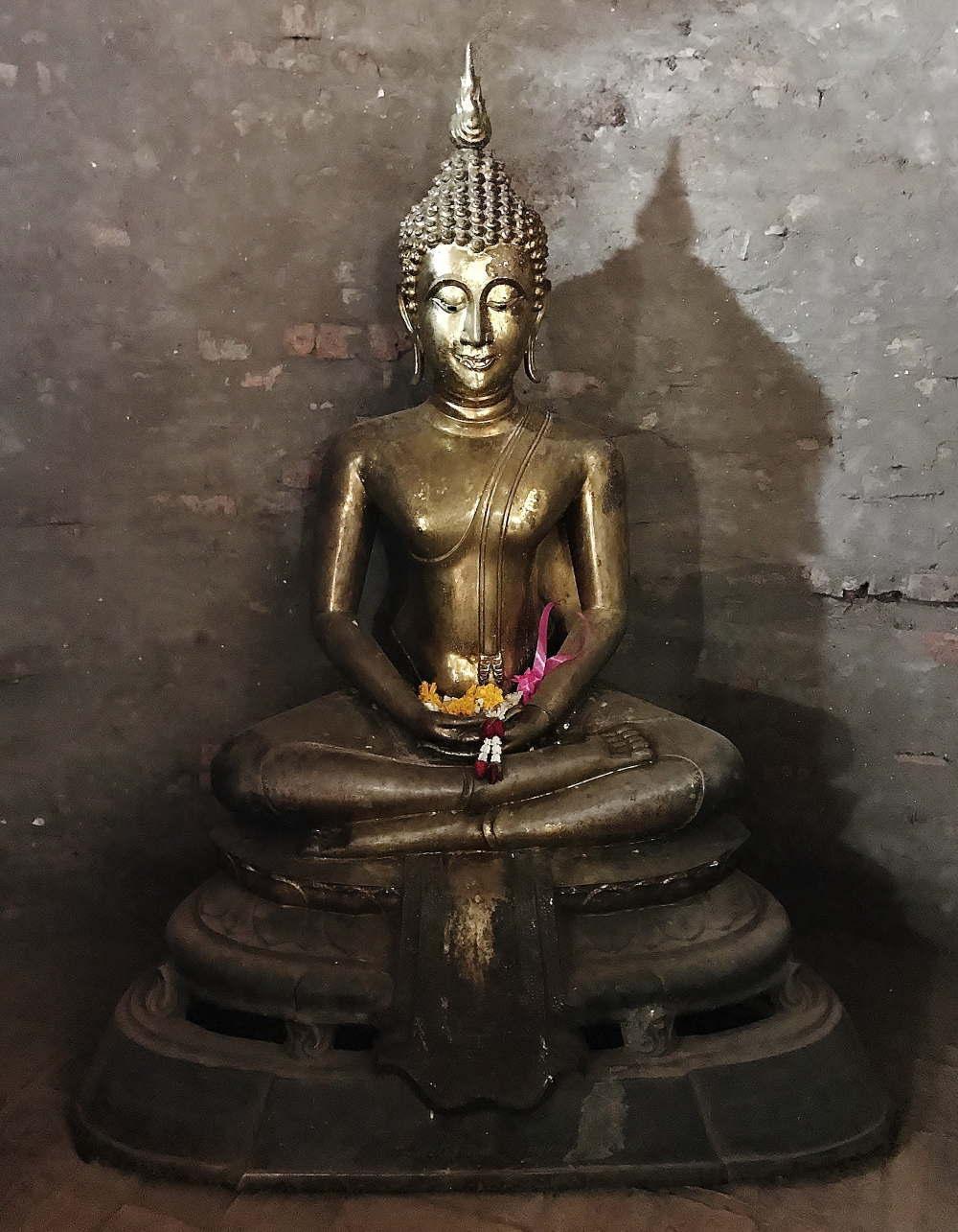 ワット・ヤイ・チャイ・モンコン 仏像