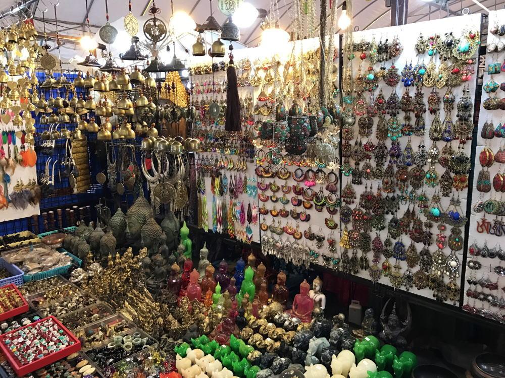 タイ ナイトマーケット ピアス