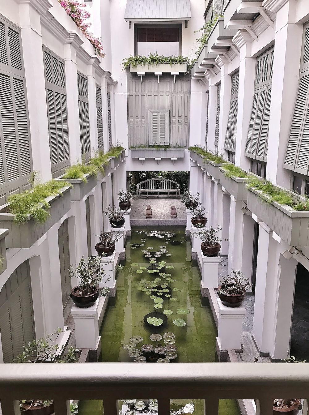 バンコク オリエンタルスパの中庭