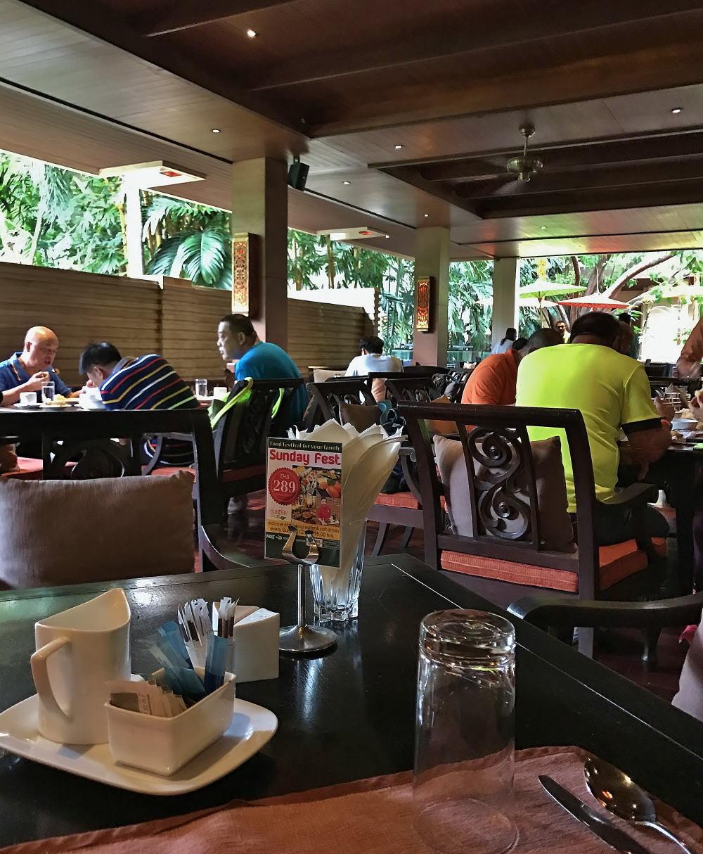 チェンマイ シリパンナホテル レストラン