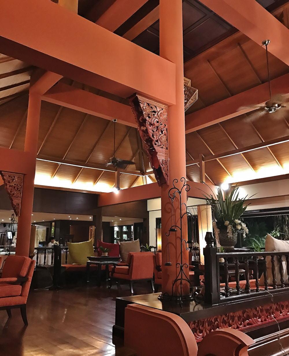 チェンマイ シリパンナホテル ロビーフロント